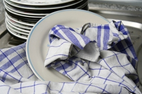Kitchen-towel-and-dishes